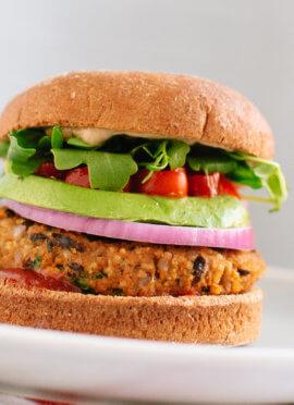 Sweet potato and black bean veggie burgers (vegan and gluten free)