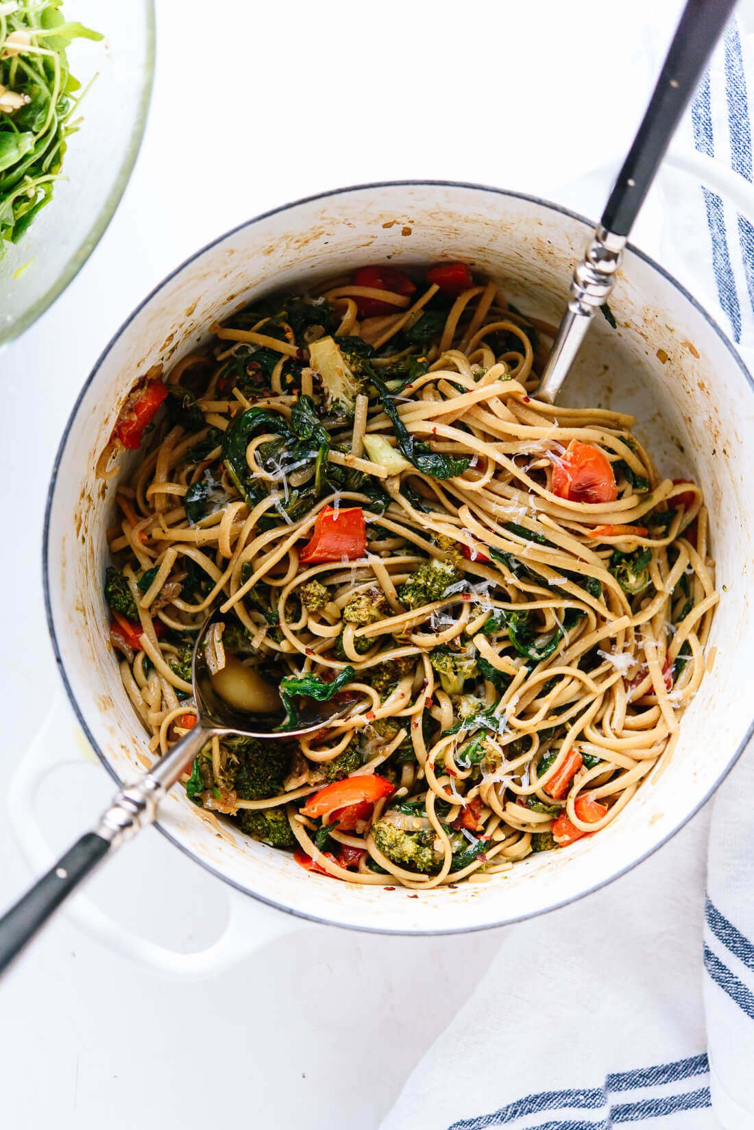 Roasted broccoli and bell pepper with spinach linguine
