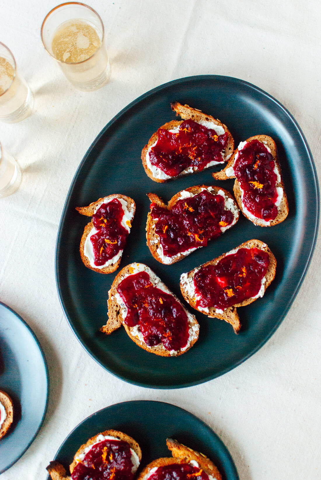 cranberry sauce goat cheese crostini recipe