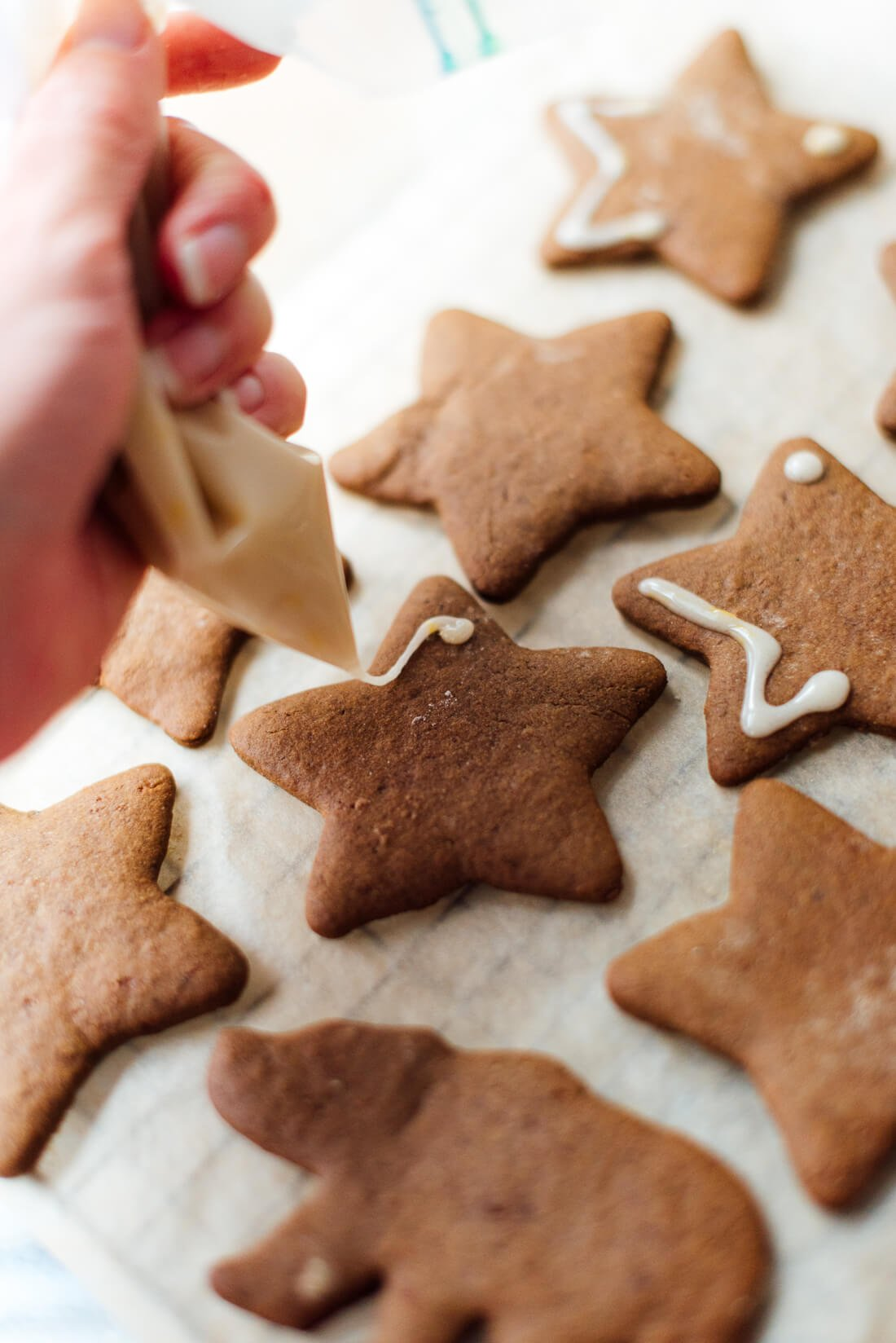 icing healthy gingerbread cookies