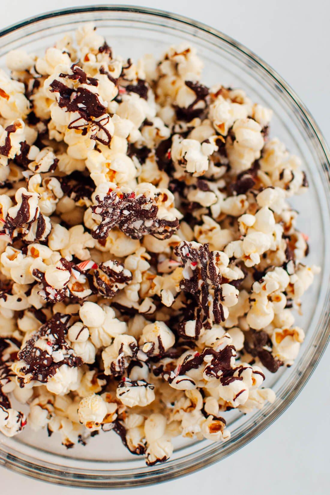Peppermint chocolate popcorn recipe