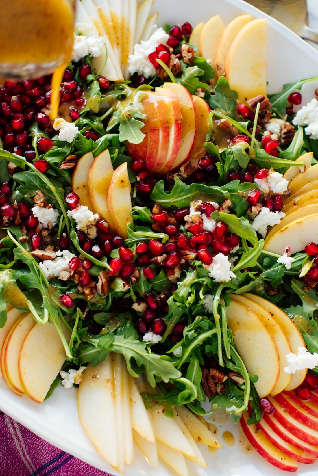 pomegranate pear arugula salad with ginger dressing