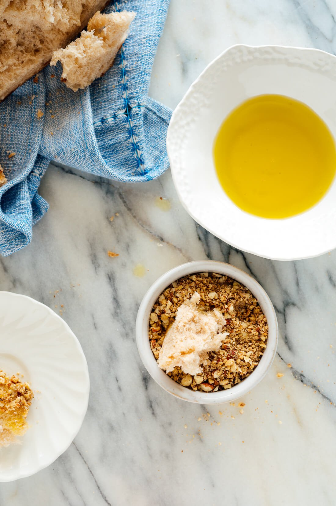 dukkah with olive oil and bread