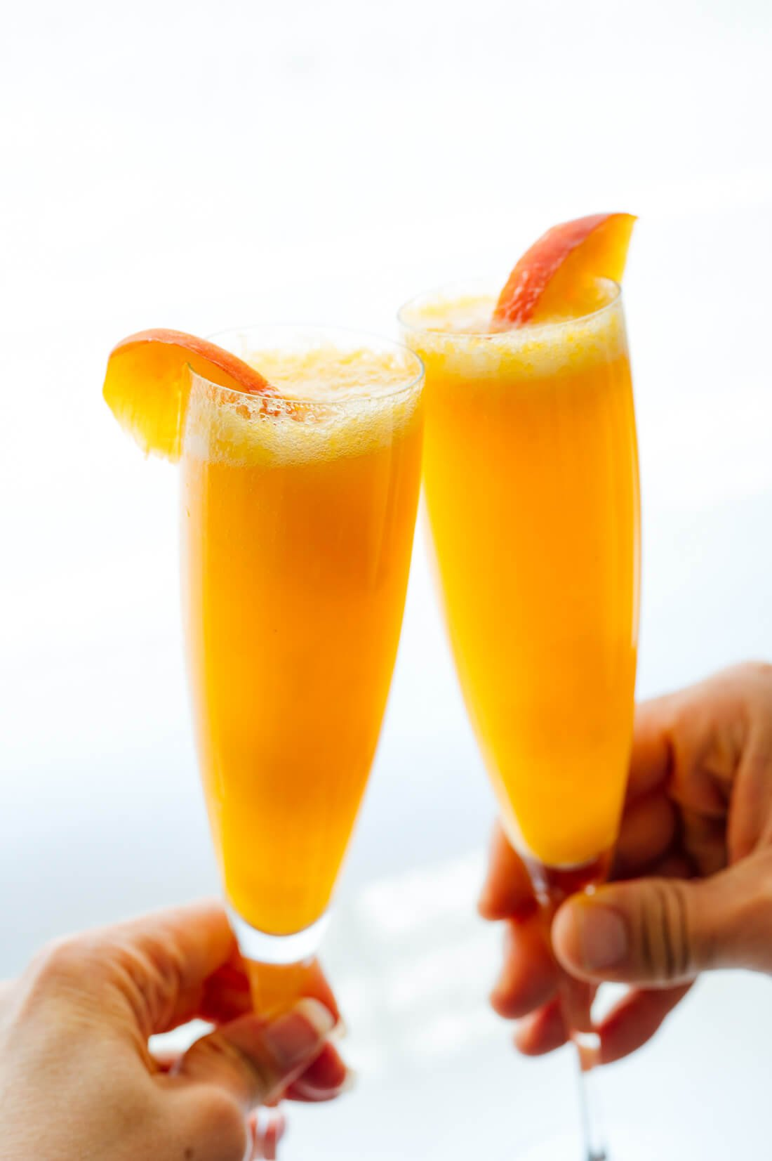 Fresh Bellini Cocktail
