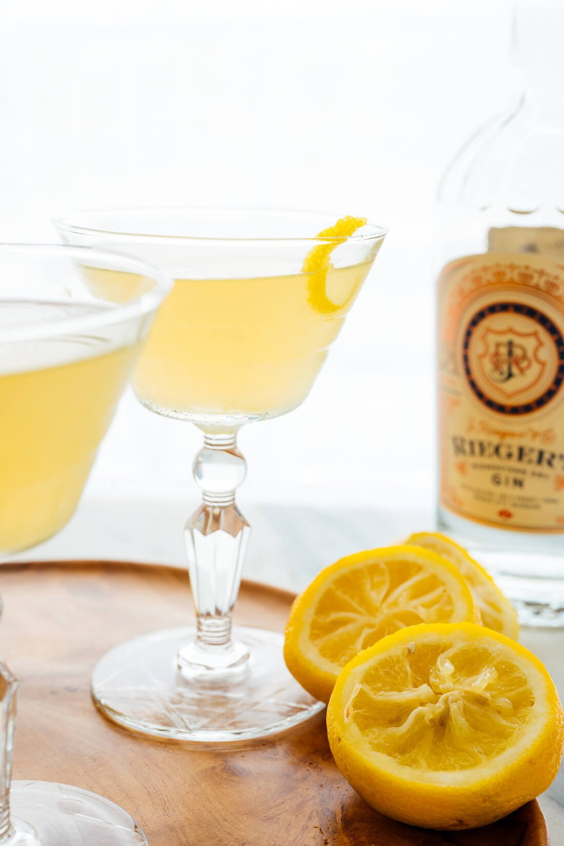 bees knee's cocktail