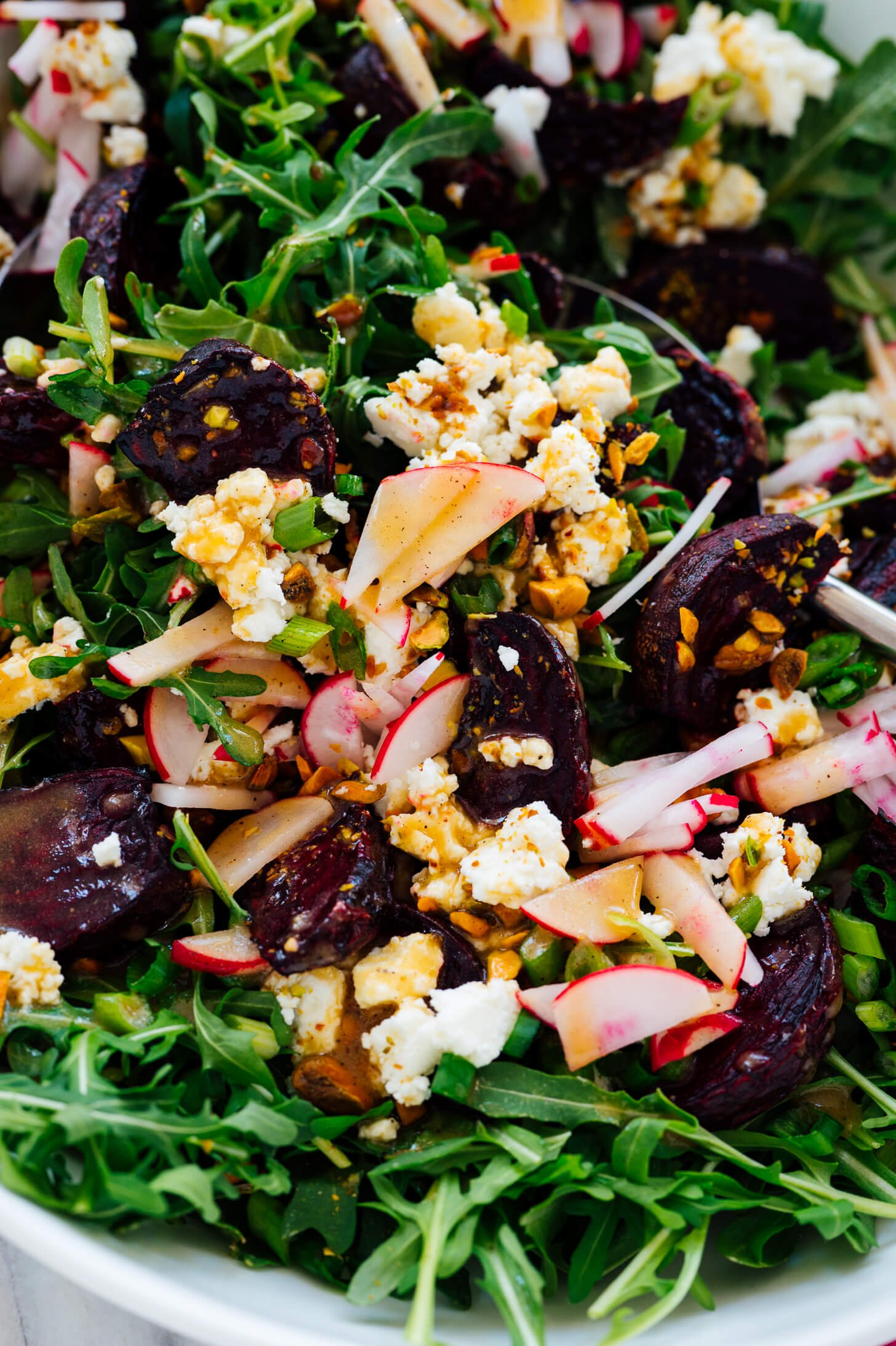 beet, goat cheese and pistachio salad with arugula